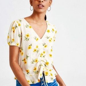American Eagle Floral Cropped Ruched Blouse